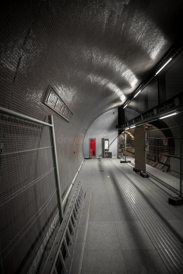Station de métro dans une grande ville image stock