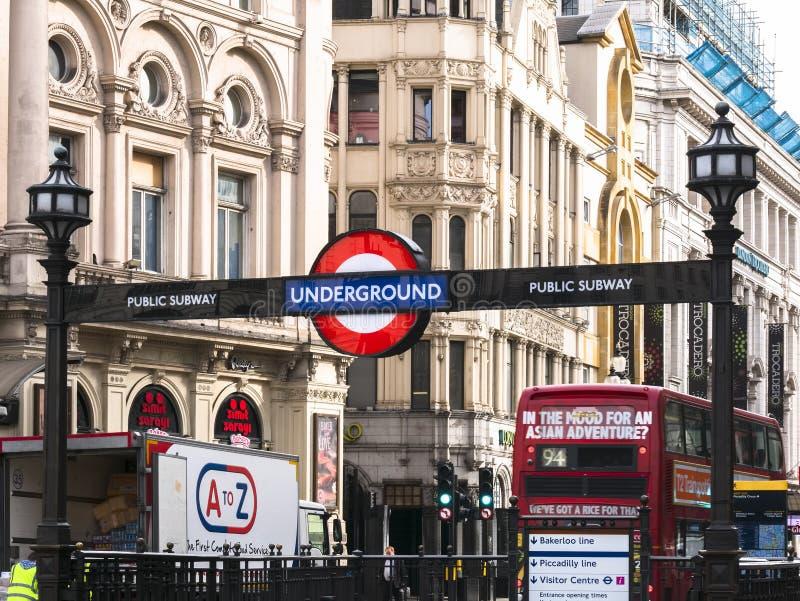 Station de métro de cirque de Londres Piccadilly photos libres de droits