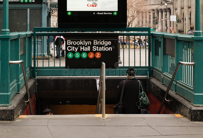Station de métro de New York vers Brooklyn image stock