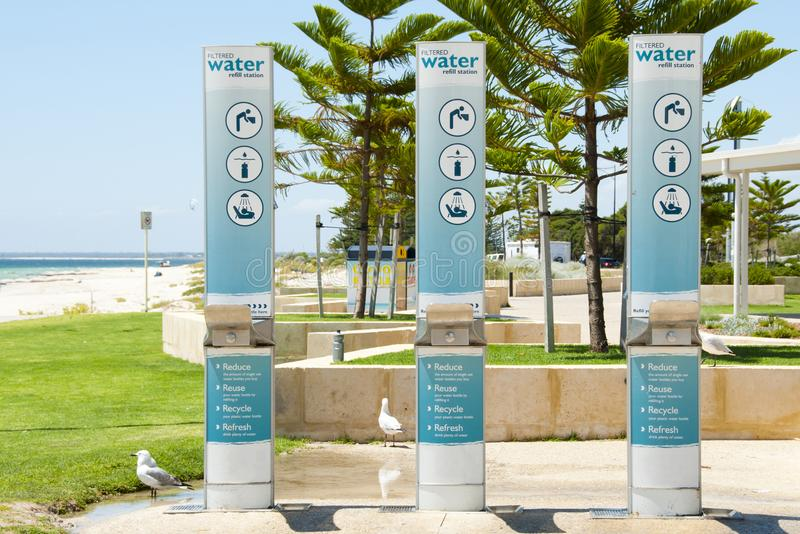 Station de recharge de l'eau photographie stock