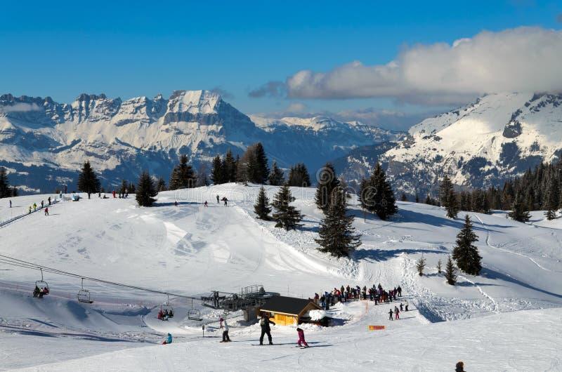 Station de sports d'hiver de Chamonix image libre de droits