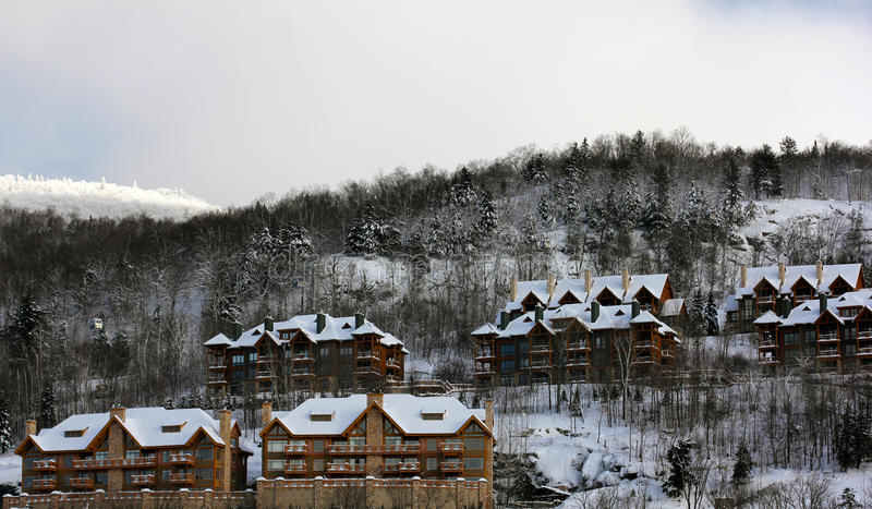 Station de sports d'hiver de Mont Tremblant photo stock