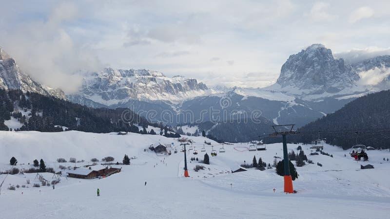 Station de sports d'hiver de Secada en hiver image stock