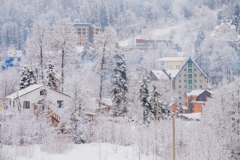 Station de sports d'hiver Dombay, Karachay-Cherkessia, Russie image libre de droits