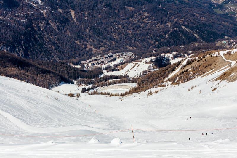 Station de sports d'hiver Les Orres, Hautes-Alpes, France photos stock