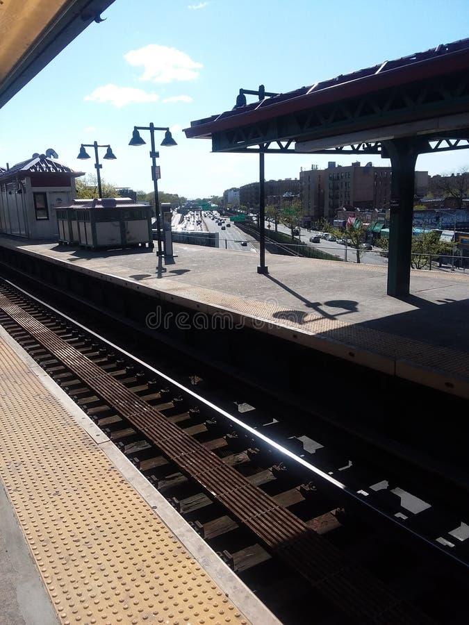 Station de train aux endroits allants d'avenue de Parkchester photo stock