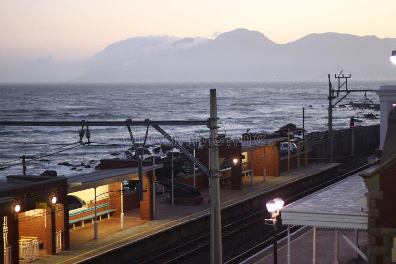 Station de train côtière à Cape Town photographie stock