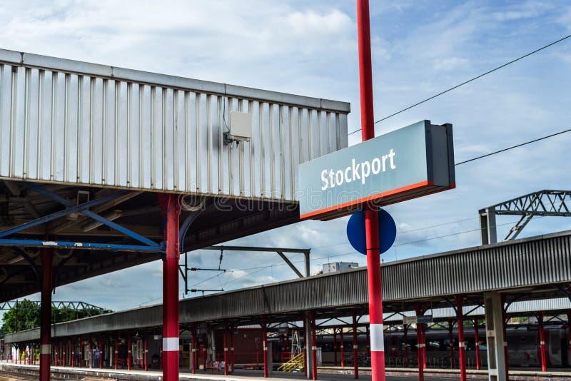 Station de train de Stockport près de Manchester, Grande-Bretagne photographie stock libre de droits