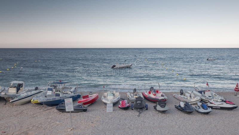 Station de vacances de Dhermi en Albanie images stock
