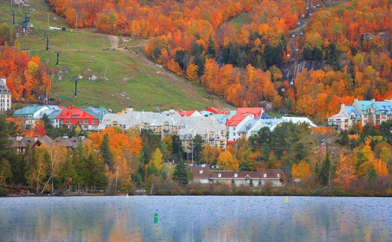Station de vacances de Mont Tremblant au Québec images libres de droits