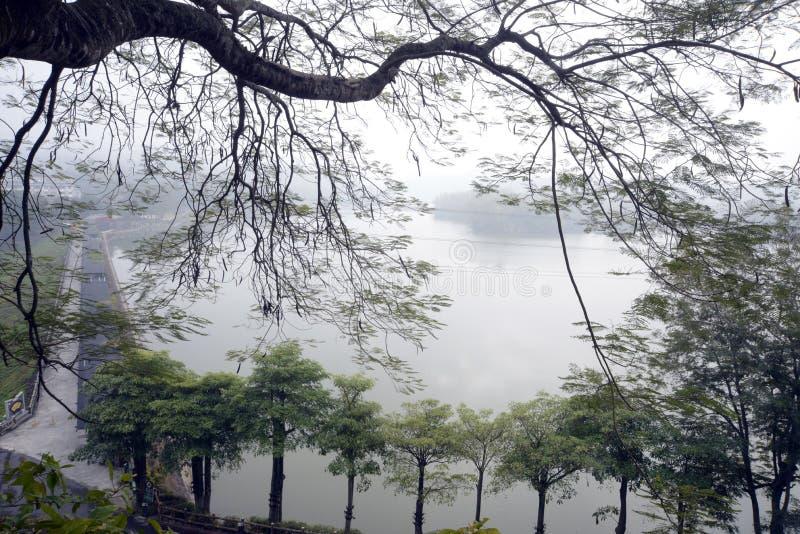 Station de vacances nuageuse de Jiangnan photographie stock