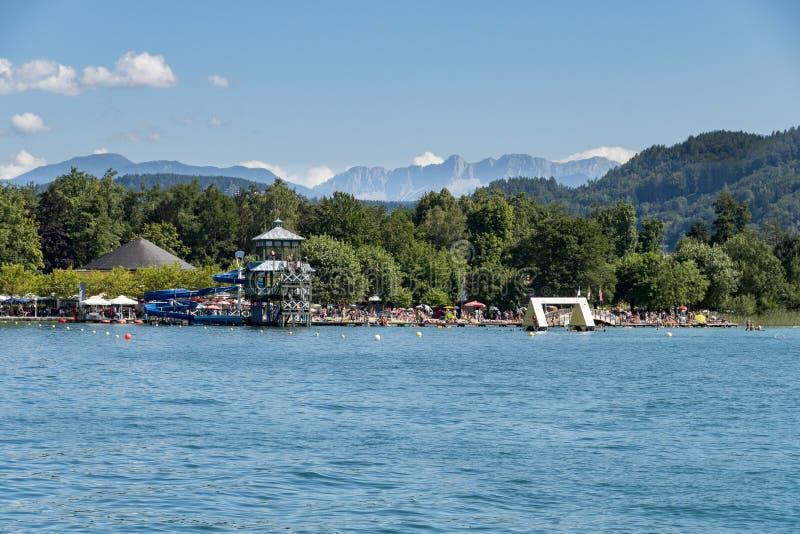 Station de vacances Portschach AM Worthersee et lac en valeur Worthersee Aus images libres de droits