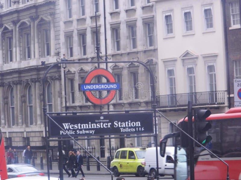 Station de Westminster au fond images stock