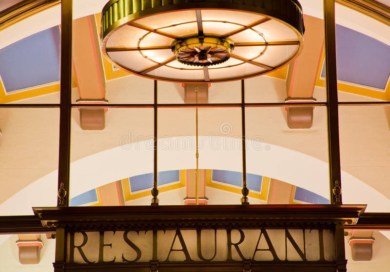 Station des syndicats d'Art Deco Restaurant Sign Los Angeles image stock