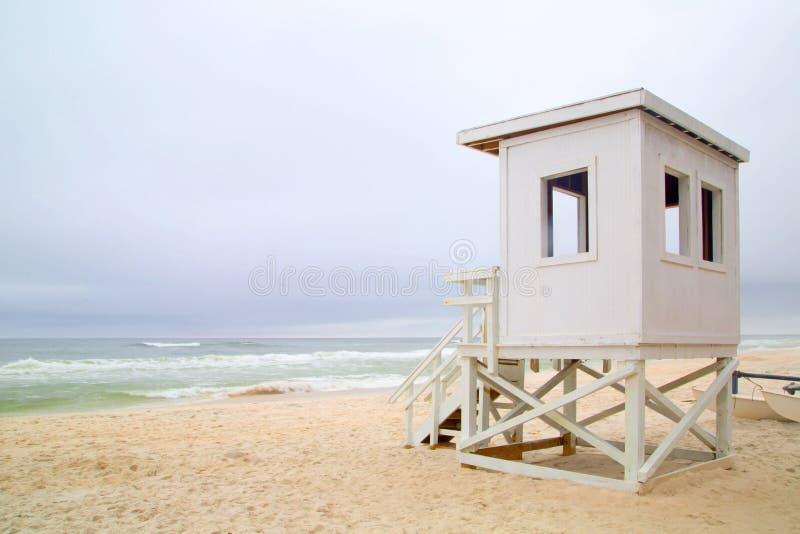 Station för livvakt på stranden arkivbild