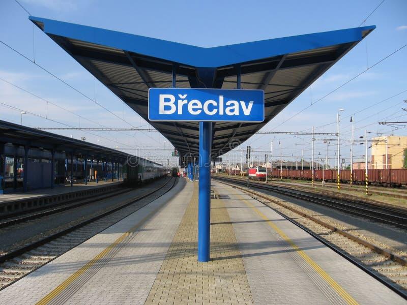 station för plattform för eclav för b-kant tjeckisk arkivfoto