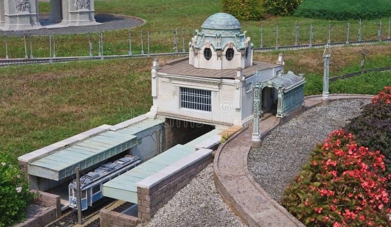 Station för tunnelbana för tunnelbanastation Hietzing, Wien, Österrike Klagenfurt Miniatyren parkerar royaltyfri foto