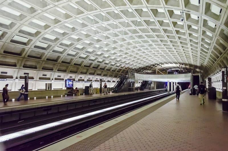 Station för tunnelbanamittgångtunnel i Washington DC arkivbilder