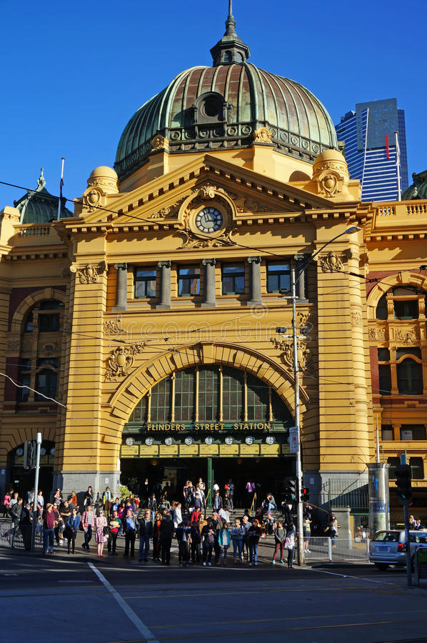 Station occupée de rue de Flinders images stock