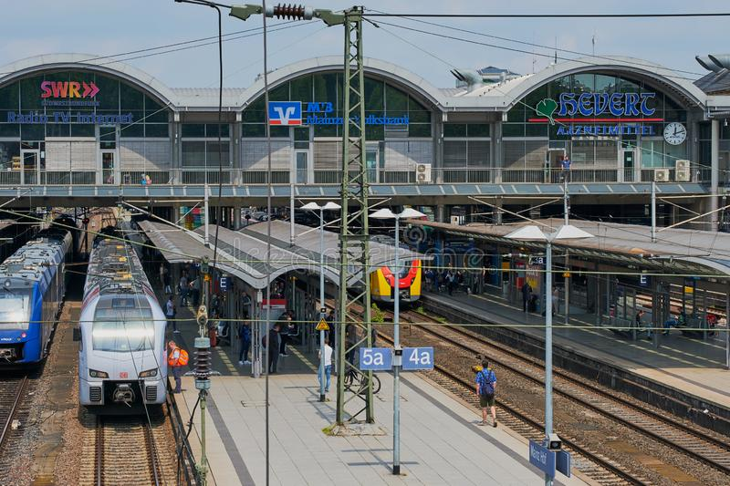 Station principale ? Mayence, Allemagne photographie stock