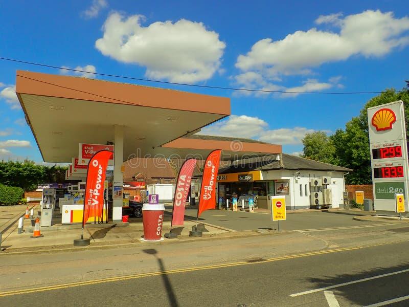 Station-service de Shell, route de Rickmansworth, Chorleywood images libres de droits