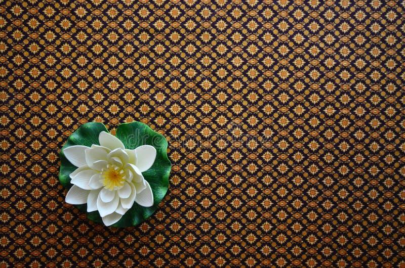Station thermale et belle fleur de lotus photographie stock libre de droits