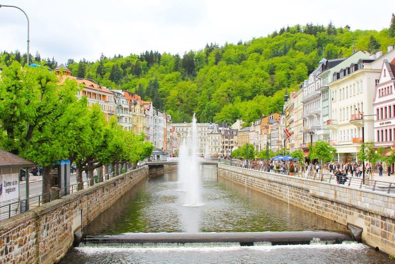 Station thermale Karlovy Vary, rivière de Tepla images libres de droits