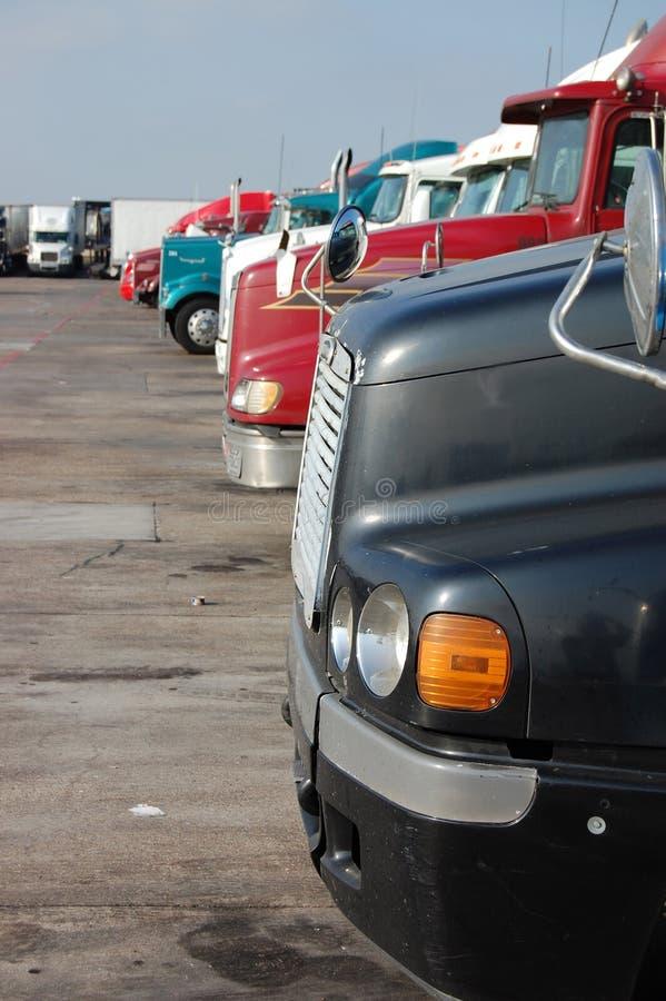 Stationnement d'arrêt de camion photo stock