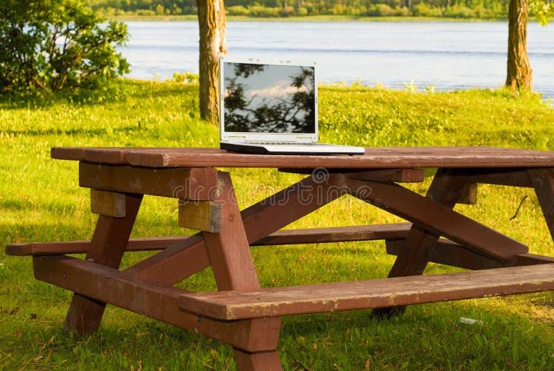 stationnement d'ordinateur portatif photographie stock libre de droits