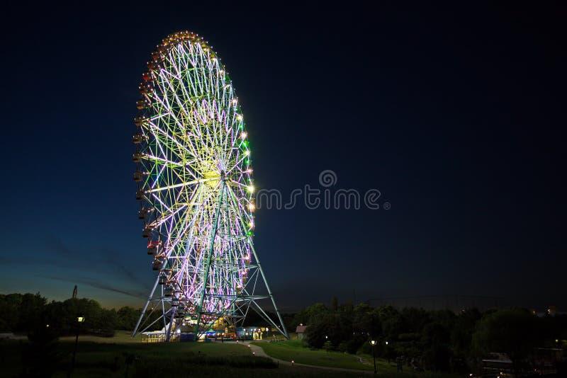 Stationnement de Kasai Rinkai, roue de Ferris, le diamant et F photos stock