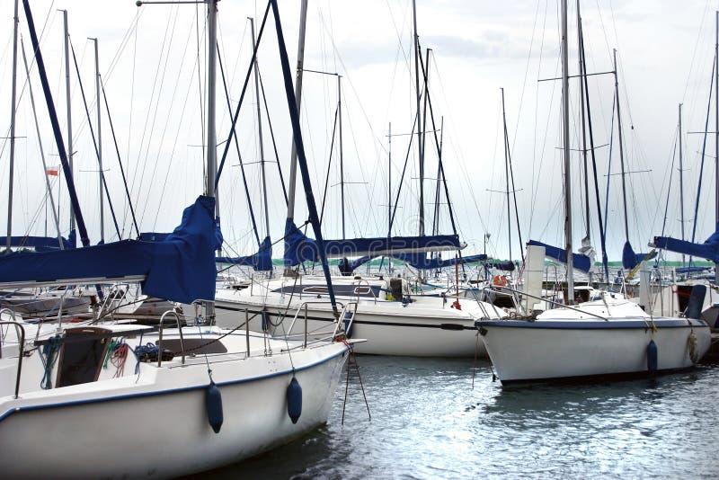 Stationnement de marina image libre de droits