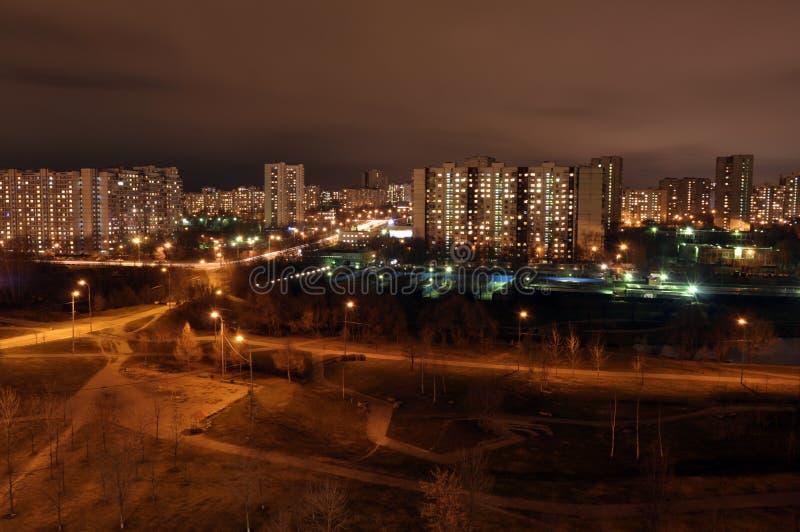 Stationnement de nuit photos stock