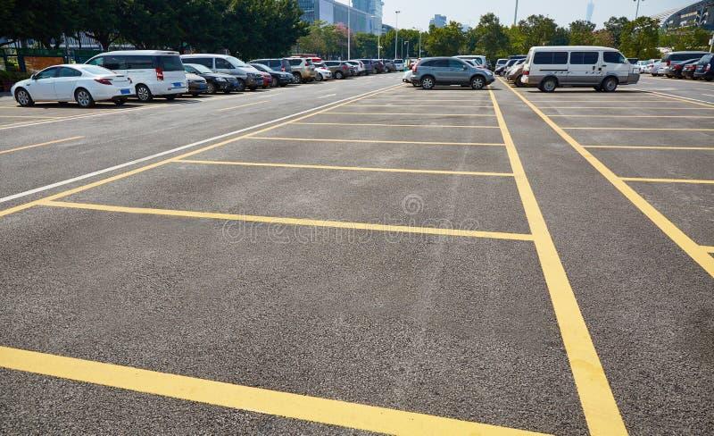 Stationnement de parking photographie stock
