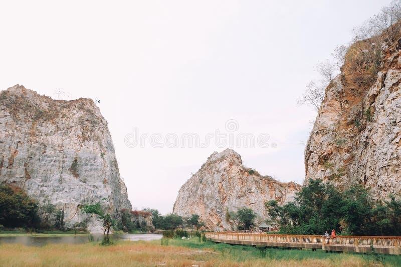 Stationnement de roche de ngoo de Khao photographie stock libre de droits