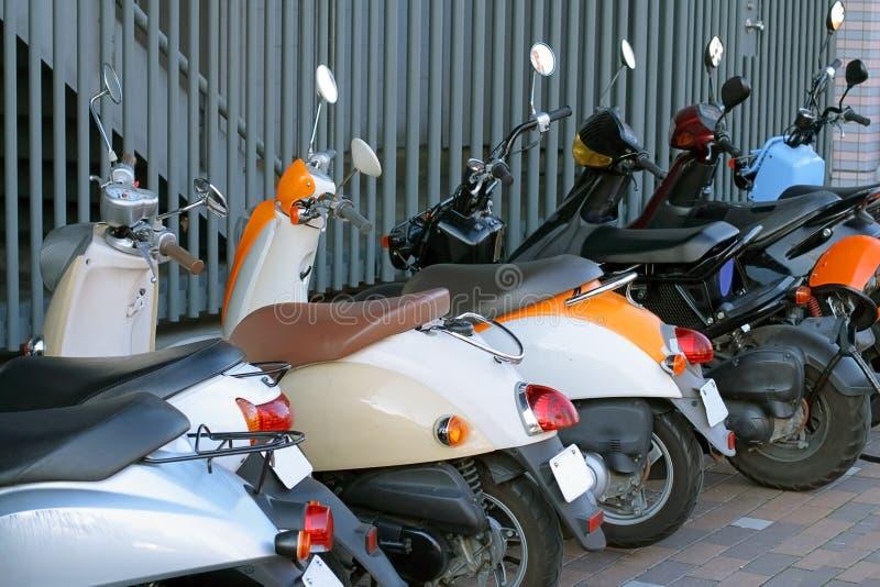 Stationnement de scooters photos libres de droits