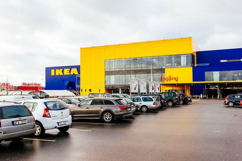 Stationnement et façade de magasin d'IKEA à Malmö, Suède photo libre de droits