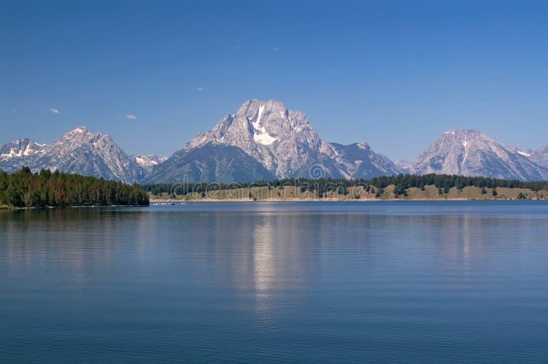 Stationnement, montagnes et lacs grands de Teton images libres de droits