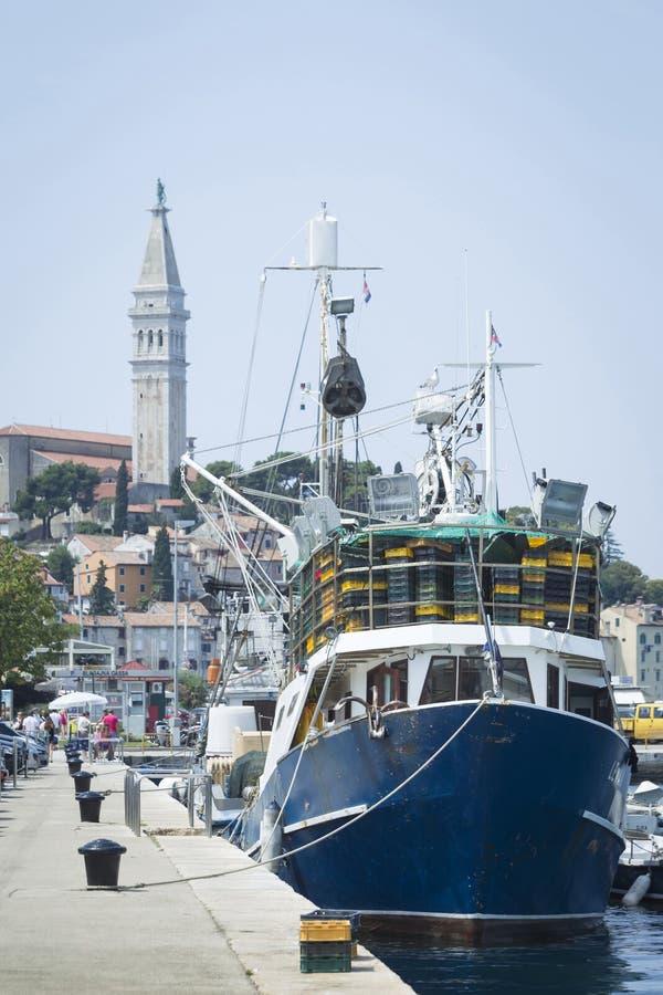 Statki przy dokiem Rovinj obrazy royalty free