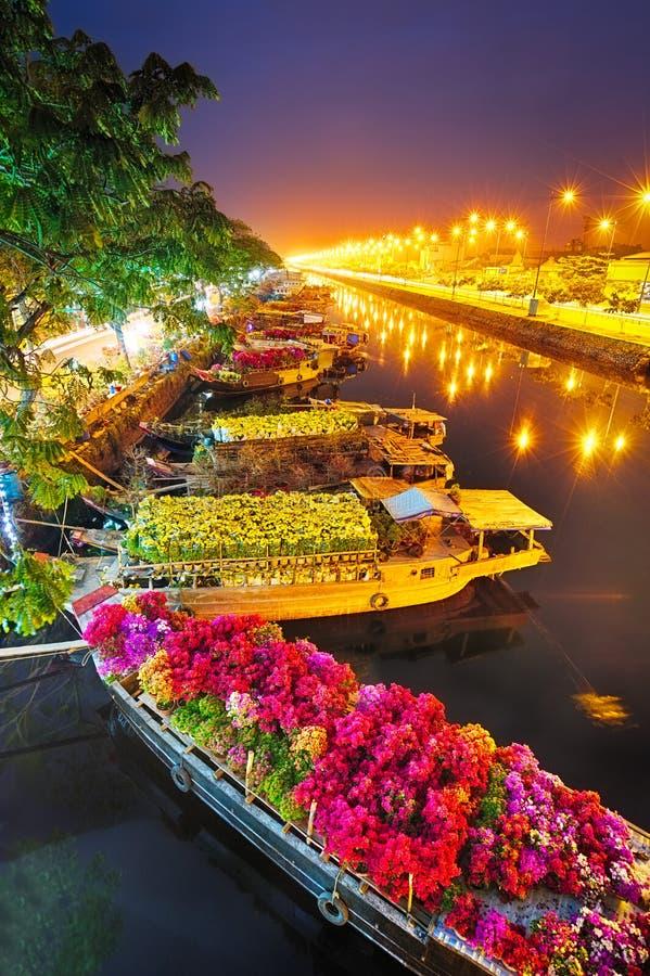 Statki przy Saigon kwiatu rynkiem przy Tet, Wietnam zdjęcia stock