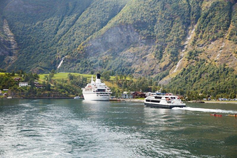 Statki wycieczkowi w Norwegia obraz royalty free