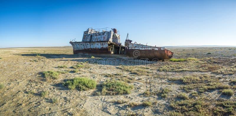 Statku cmentarz Aral morze fotografia stock