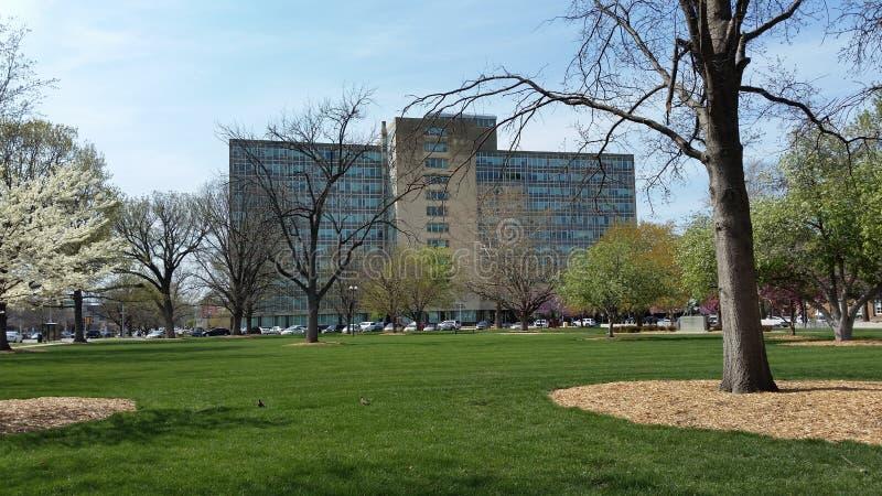 Statlig kontorsbyggnad, Topeka, KS royaltyfri fotografi