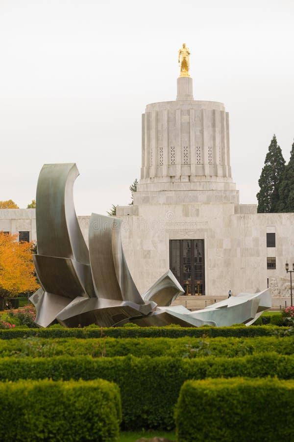 Statliga Captial i stadens centrum Salem Oregon Government Capital Building royaltyfri foto