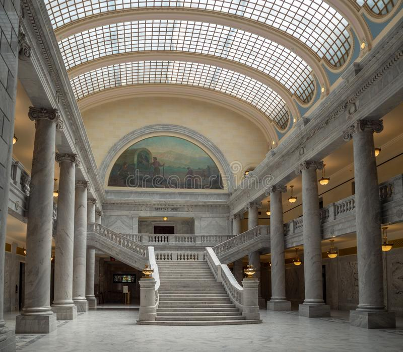 Stato del complesso di Utah Capitol Hill a Salt Lake City, la corte rotunda esteriore storica dell'interno, della casa, del senat fotografia stock