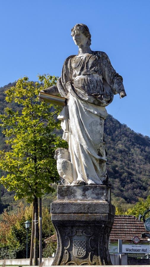 Statua Świątobliwy Jerome blisko Danube rzeki, Wachau dolina, Krems, Austria zdjęcie royalty free