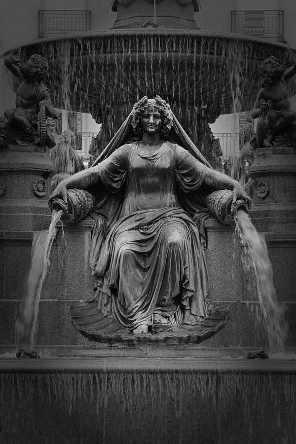 Statua al royale del posto a Nantes, Francia immagine stock libera da diritti