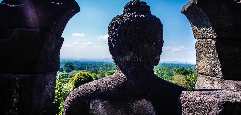 Statua al tempio di Borobudur, Java, Indonesia fotografia stock libera da diritti