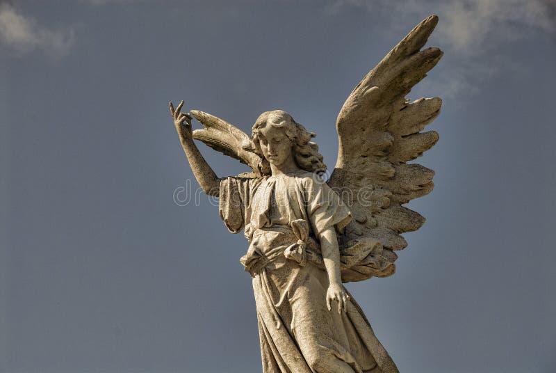 Statua alata di angelo immagini stock libere da diritti
