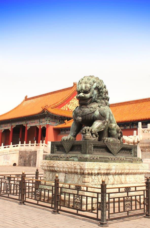 Statua antica del leone, la Città proibita, Pechino, Cina immagine stock libera da diritti