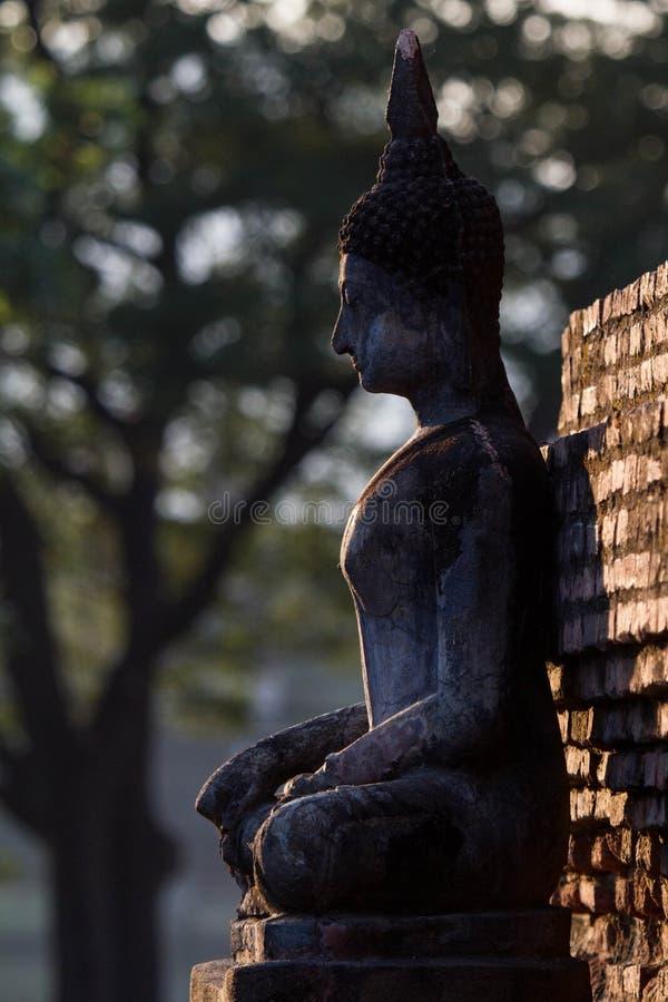 Statua antica di Buddha Sukhothai Tailandia immagini stock libere da diritti